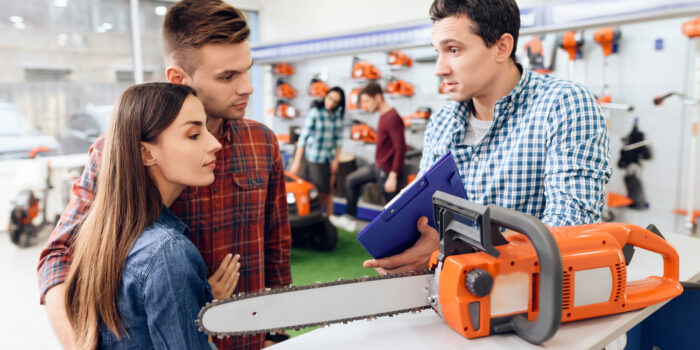 A Guide To Buying A Chainsaw